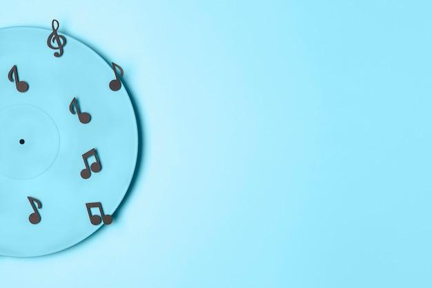 Arrangement De Vinyle Peint En Bleu Avec Espace Copie Photo gratuit