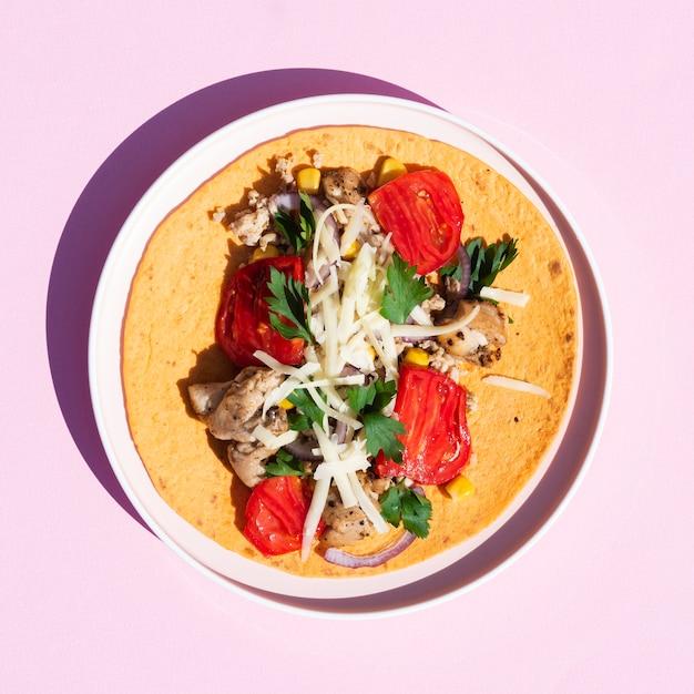 Arrangement de vue de dessus avec de la nourriture mexicaine traditionnelle Photo gratuit