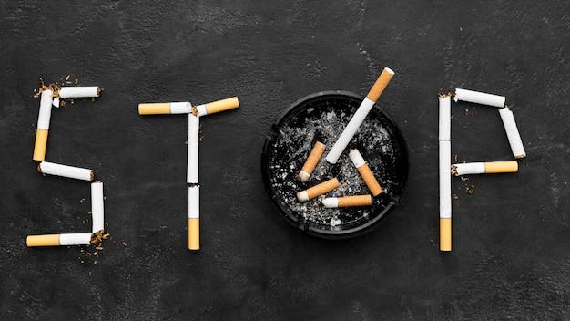 Arrêtez De Fumer Avec Un Cendrier Photo Premium