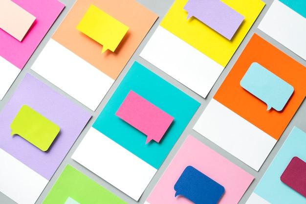 Artisanat en papier d'icône bulle de dialogue Photo gratuit