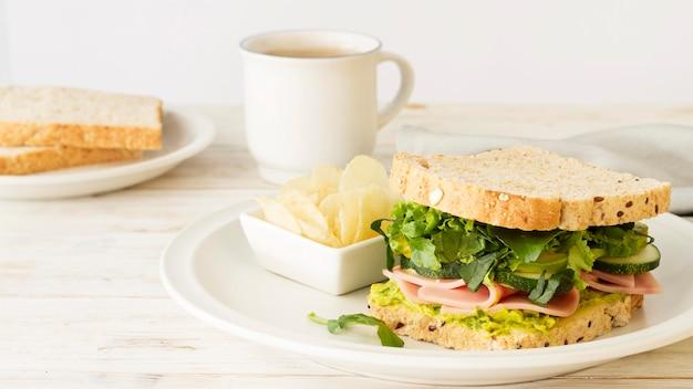 Assiette Avec Sandwich Photo gratuit