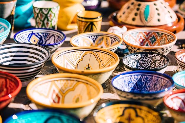 Assiettes Sur Le Marché Au Maroc Photo gratuit