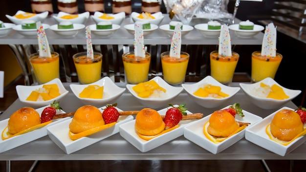 Assortiment de buffet de bonbons Photo Premium
