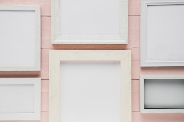 Assortiment de cadres minimalistes blancs Photo gratuit