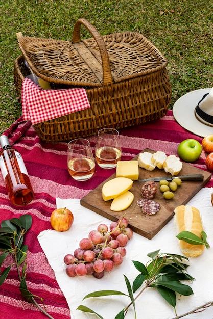 Assortiment De Friandises Sur Blanc Blanc Photo gratuit