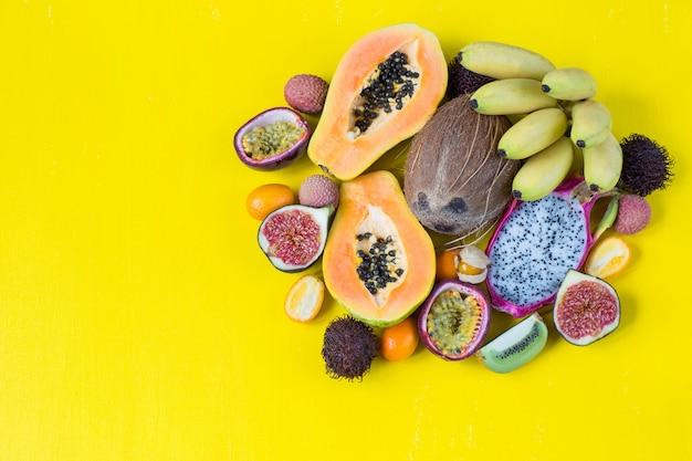 Assortiment de fruits exotiques Photo Premium