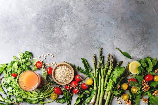 Assortiment d'ingrédients alimentaires végétariens Photo Premium