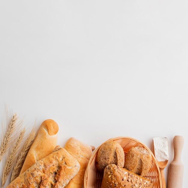 Assortiment De Pâtisserie à L'herbe De Blé Photo gratuit