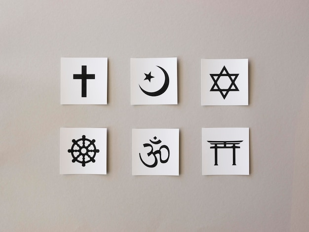 Assortiment De Symboles Religieux Photo gratuit