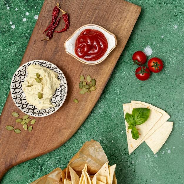 Assortiment de trempettes maison pour tortilla Photo gratuit