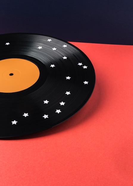 Assortiment De Vinyle Noir Avec étoiles Blanches Photo Premium
