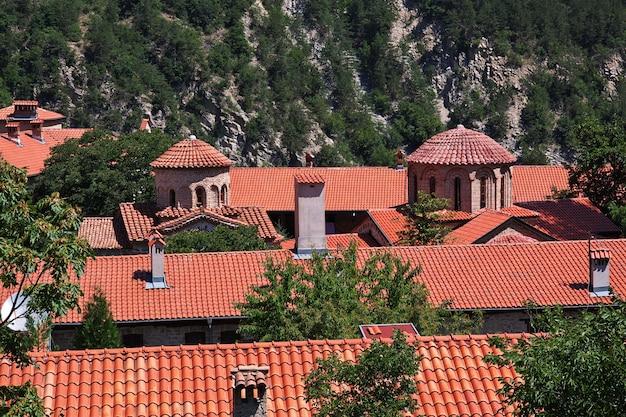 Bachkovo Est Un Ancien Monastère En Bulgarie Photo Premium