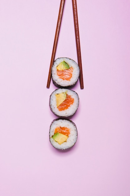 Baguettes, prendre, sushi Photo gratuit
