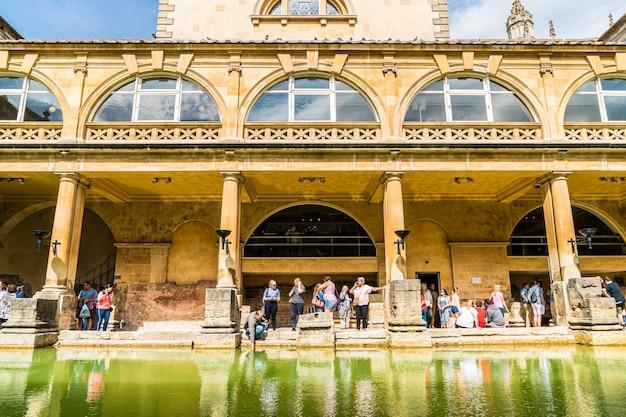 Bains Romains De La Ville De Bath. Photo Premium