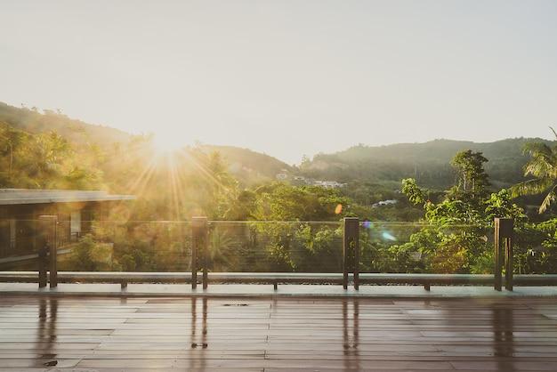 Balcon extérieur Photo gratuit