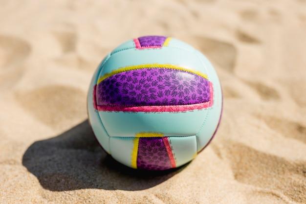 Ball sur la plage de sable Photo gratuit