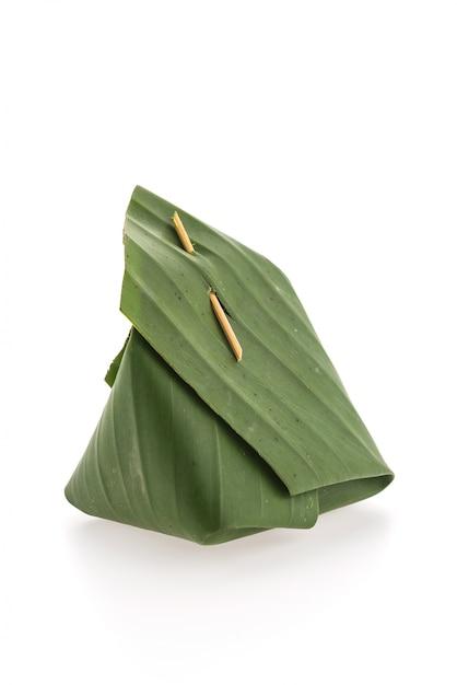 Banana leaf emballage de riz gluant Photo gratuit