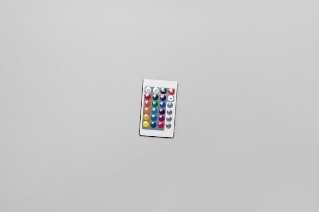 Bande Colorée Led Télécommande Isolé Sur Fond Gris. Photo Premium