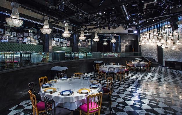 Bar, cafétéria, restaurant familial de tir intérieur Photo gratuit
