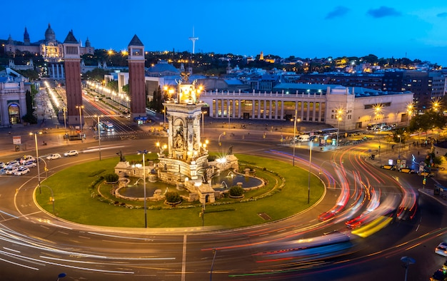 Barcelone - place espana la nuit, espagne Photo Premium