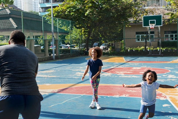 Basket-ball sport exercice activité loisirs Photo Premium