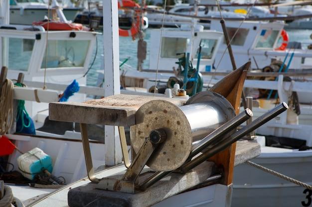 Bateaux de pêcheurs professionnels des îles baléares Photo Premium