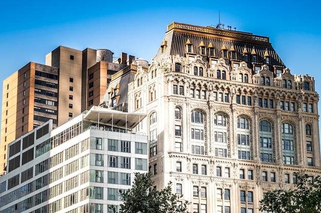 Bâtiments Hauts, Modernes Et Vieillis à New York, Usa Photo gratuit