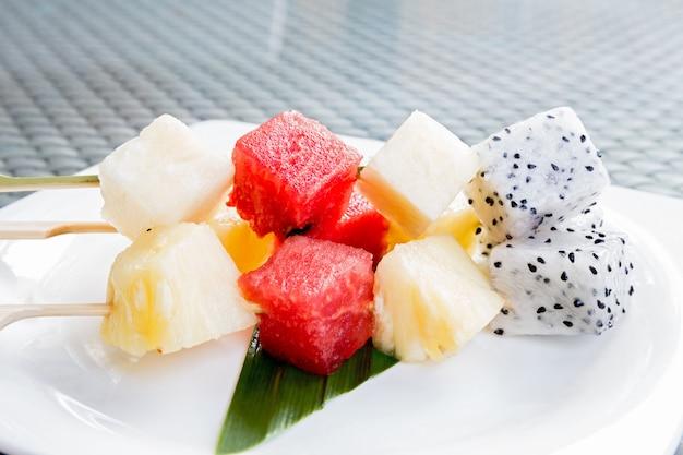 Bâton de fruits Photo Premium