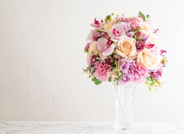 Beau bouquet de fleurs Photo Premium