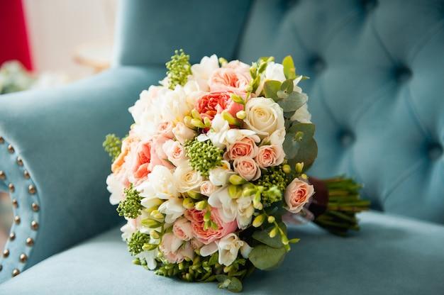 Beau Bouquet De Mariée élégant Et élégant Photo Premium