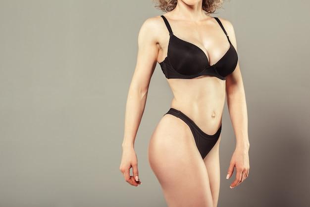 Beau corps de femme mince Photo Premium
