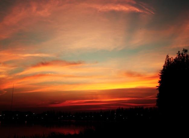 Beau, crépuscule, coucher soleil, soir, paysage Photo gratuit