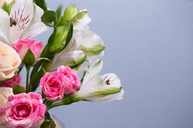 Beau Fond Floral. Carte De Voeux, Fête Des Mères, Invitation De Mariage, Anniversaire. Copier L'espace Photo Premium