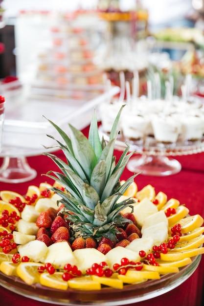 Beau fruit pour décorer une table sucrée Photo gratuit
