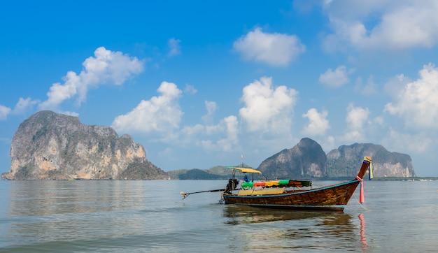 Beau paysage de la plage de pak meng à trang, thaïlande Photo Premium
