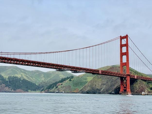 Beau Plan Large Du Golden Gate Bridge à San Francisco Photo gratuit
