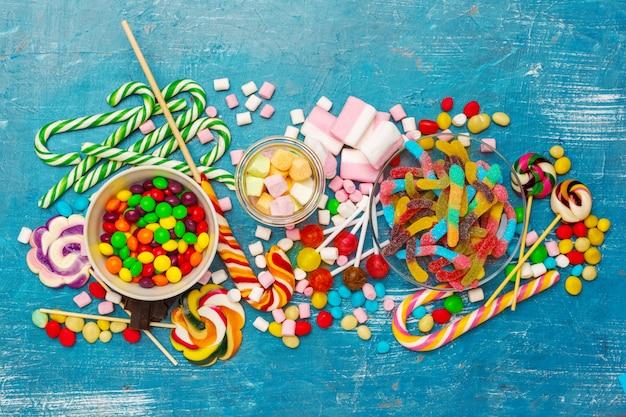 Beaucoup de bonbons colorés Photo Premium