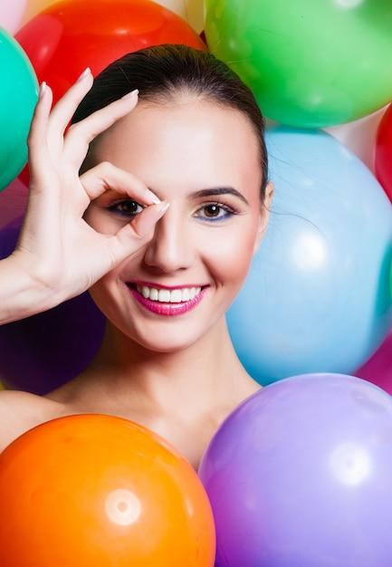 Beauté fille portrait avec maquillage coloré, Photo Premium
