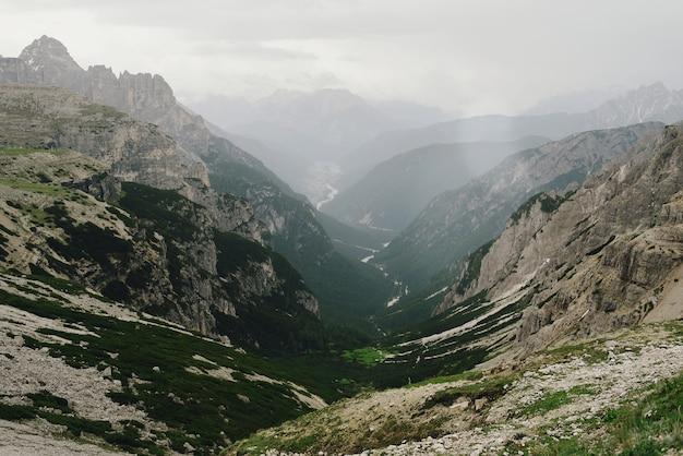Beaux paysages de dolomites italiennes Photo gratuit