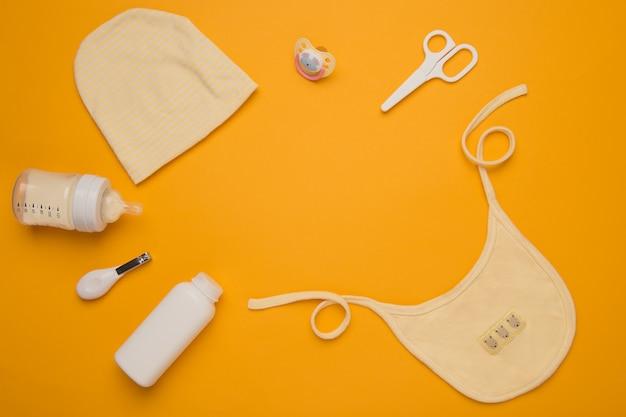 Bébé, Accessoires D'hygiène Pour Le Nouveau-né. Kid, Produit De Santé Infantile. Concept De Garde D'enfants. Photo Premium