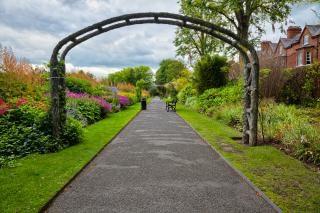Belfast botanic gardens hdr passage Photo gratuit