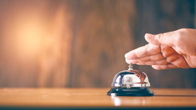 Bell Service Vintage Avec Main Photo Premium