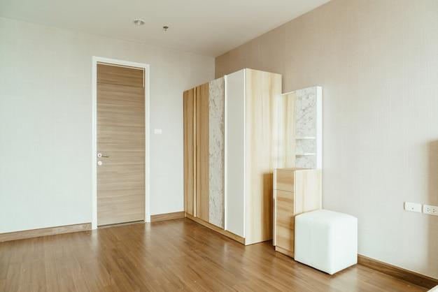 Belle armoire en bois Photo Premium