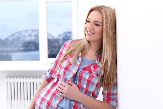 Belle blonde Photo gratuit