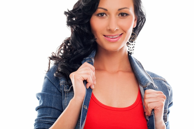 Belle femme en casual brillant Photo gratuit
