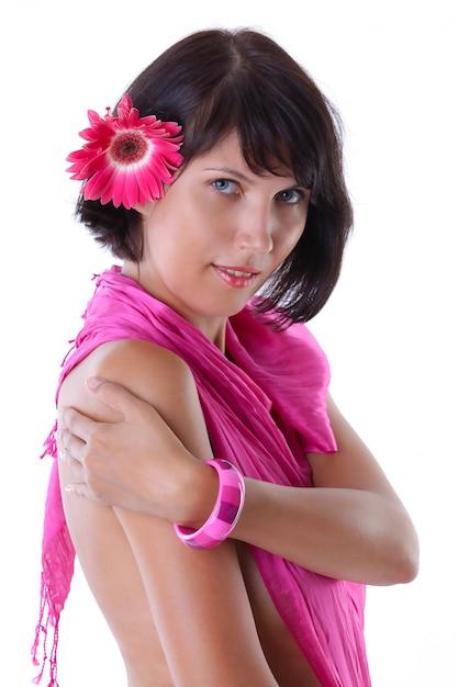 Belle Femme à La Peau Bronzée Isolé Sur Fond Blanc Photo Premium