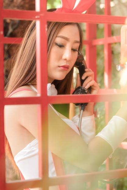 Jeune nu asiatique les adolescents