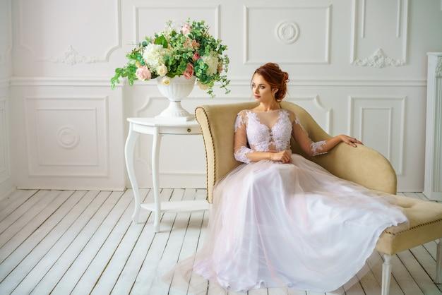 Mariée Magnifique Robe Jeune Belle Maquillage Et Femme De Y2ibeehwd9 En QdWErCxBoe