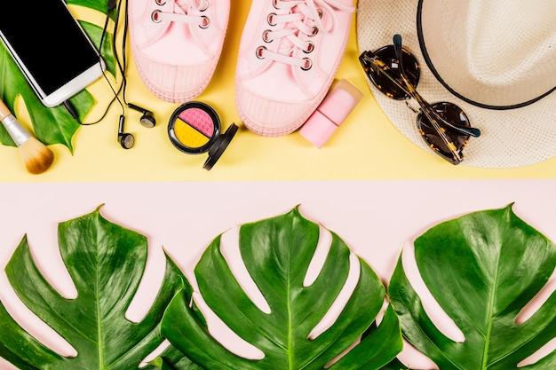 Belle Mise à Plat Avec Accessoires Tendance Photo Premium