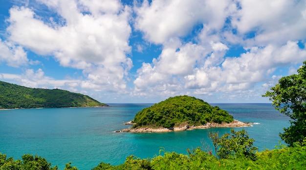 Belle Petite île Dans La Mer Tropicale D'andaman De Beaux Paysages Avec Vue Sur La Nature Photo Premium